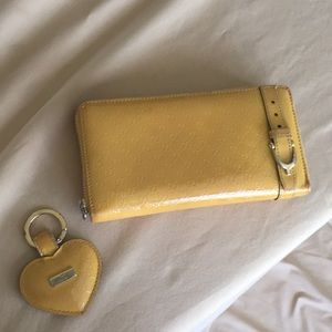 Authentic Gucci.  Zippy wallet